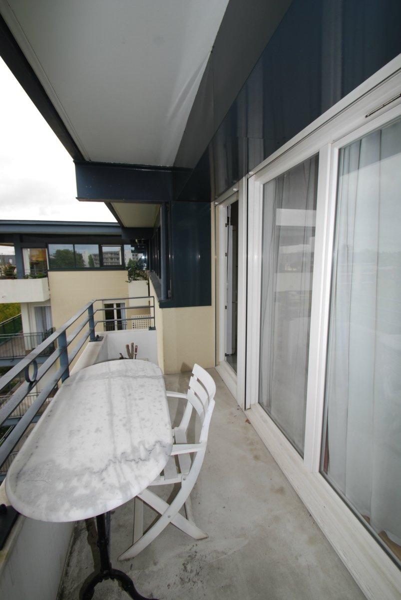 Vente vendu par l 39 agence des docks bordeaux chartrons for Appartement bordeaux 70m2