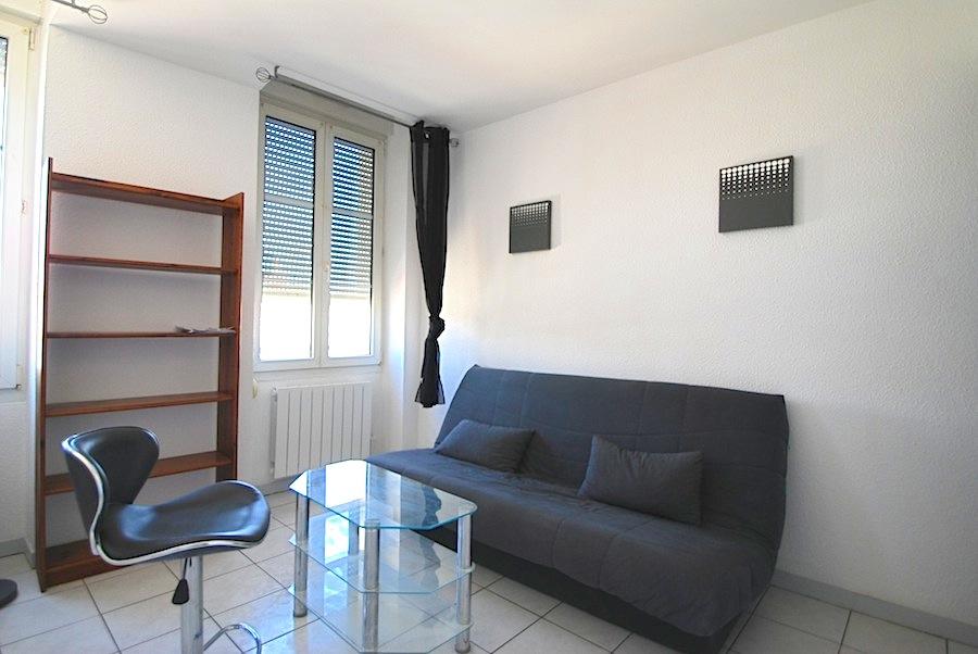 location studio meubl 1 pi ce 19 31m2. Black Bedroom Furniture Sets. Home Design Ideas